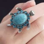 this-three-people-should-not-wear-tortoise-ring